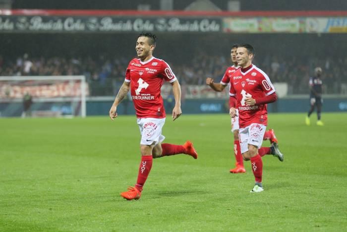 Ligue 2: Brest s'échappe, Auxerre lanterne rouge