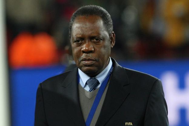 Hayatou battu aux élections — CAF