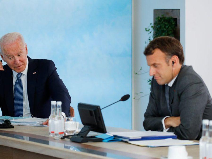 Macron décide le retour de l'ambassadeur français à Washington, après l'appel téléphonique de Biden